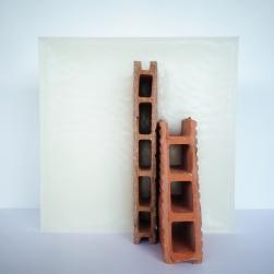 Sculpture P01 - Paraffine et brique - L 24 x H 24 x P 14 cm